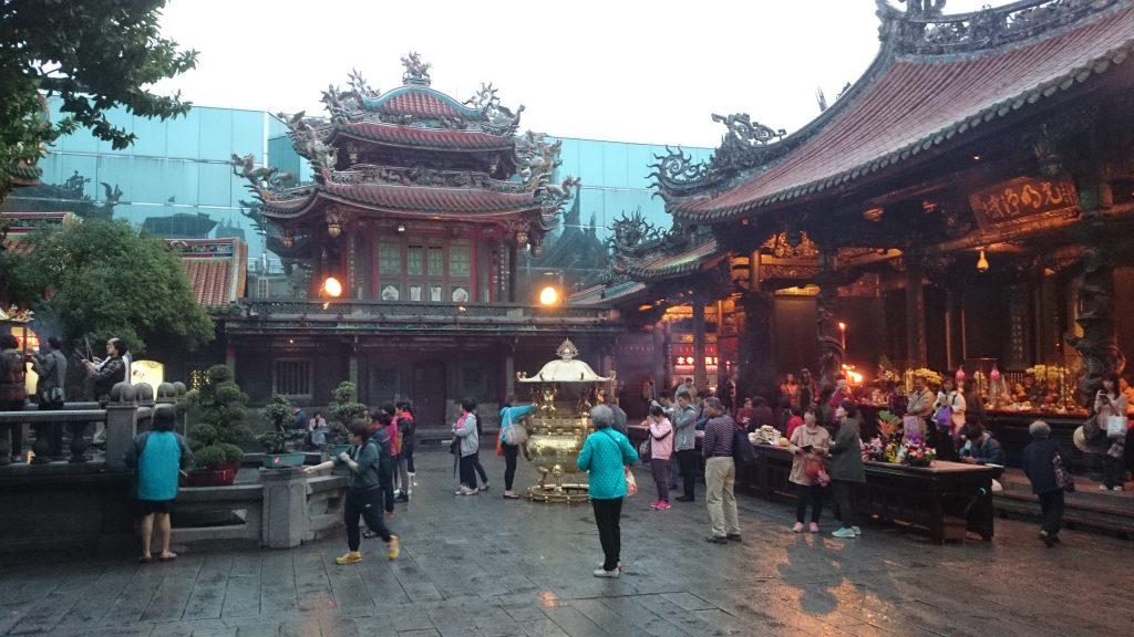 台北一のパワースポット、龍山寺