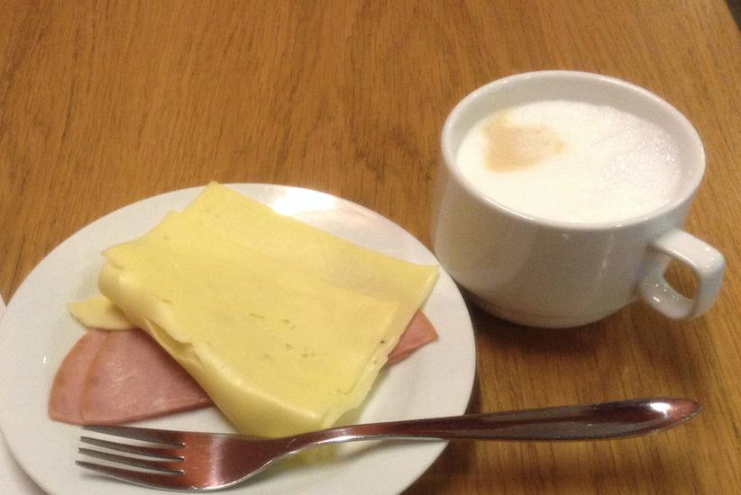 コペンハーゲン空港 Aspire Lounge ラウンジの食事