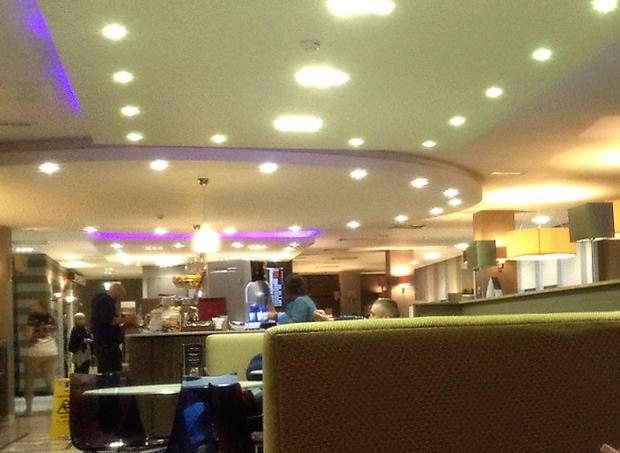 ガドウィック空港 Aspire Lounge ラウンジ内