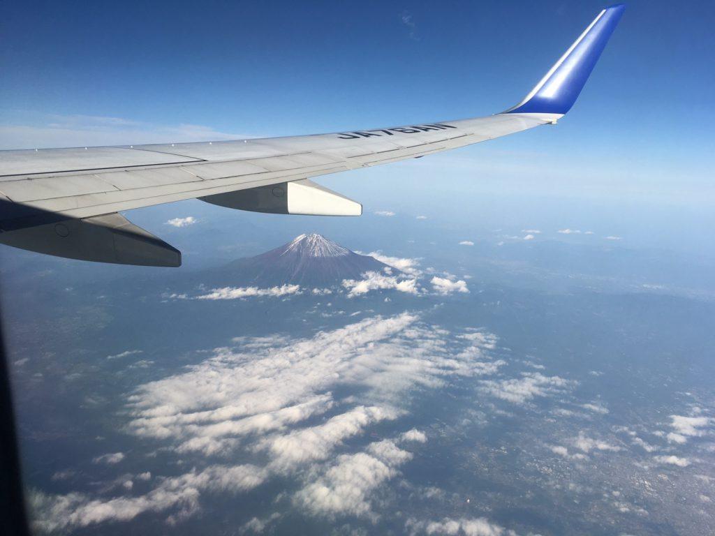 往路の機内から 富士山がきれいに見えました!