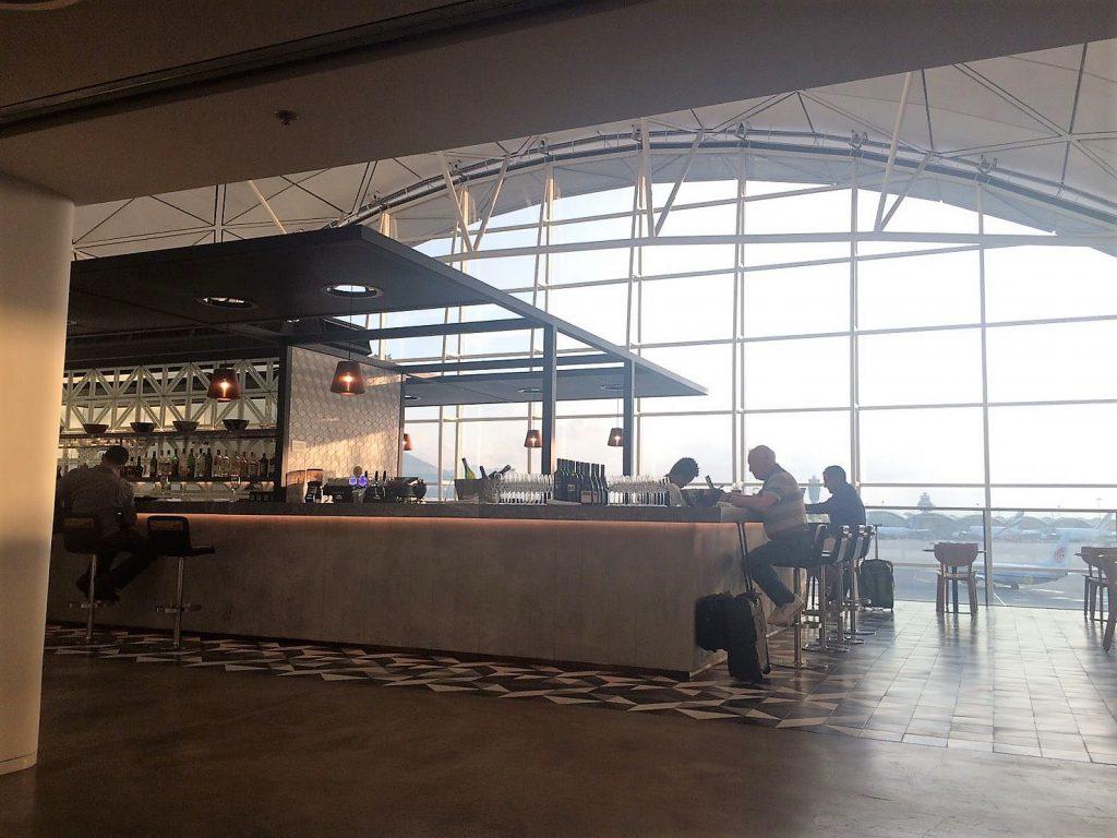 The Qantas Hong Kong Lounge カンタス航空ラウンジ