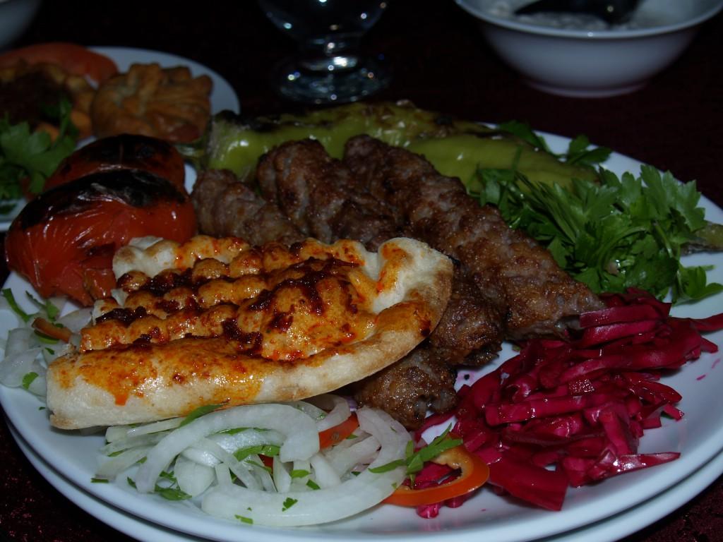 トルコ料理のアダナケバブ