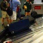 搭乗時に預けた荷物が破損、空港にすぐに申し出て保険の補償を受ける