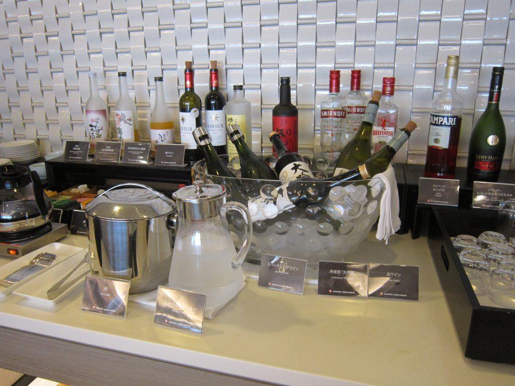 サクララウンジのビュッフェ、アルコールの種類が多い