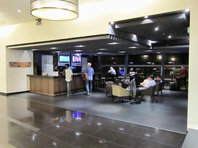 クアラルンプール国際空港ゴールデンラウンジ バーラウンジ