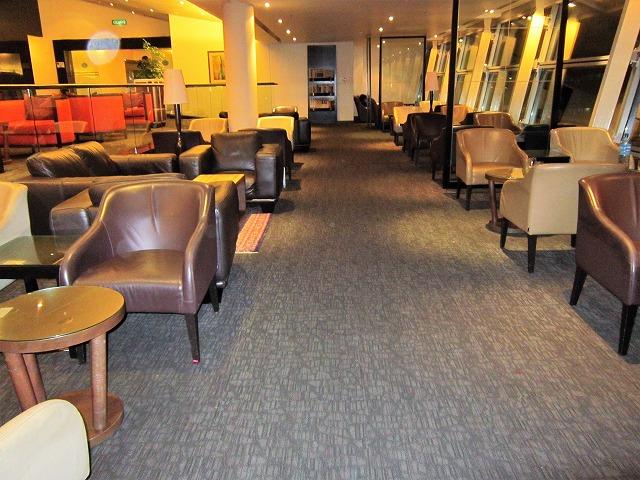 クアラルンプール国際空港ゴールデンラウンジ ソファー