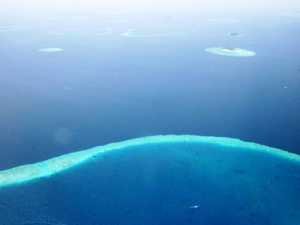 モルディブ旅行、シンガポールまで特典航空券、その先は購入で。