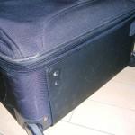スーツケースが壊れても、旅行保険に「携行品損害」が付いていれば安心