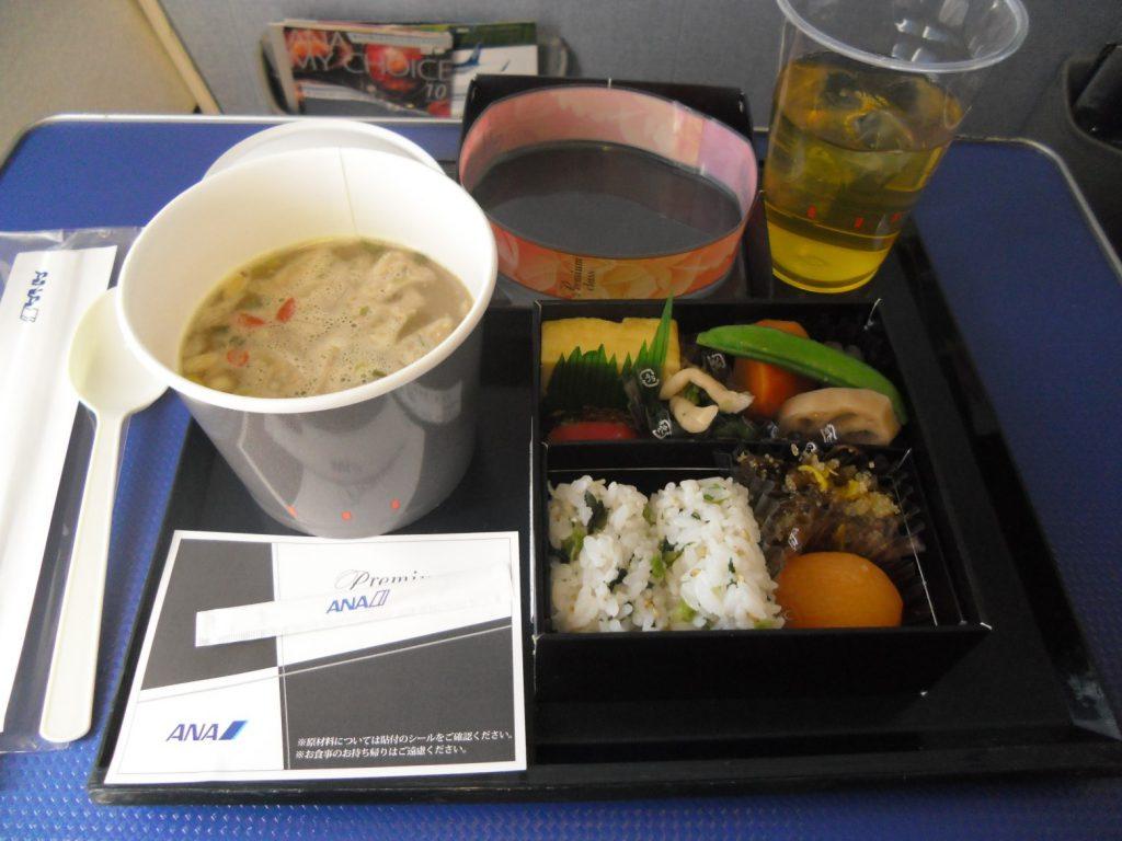 ANA国内線プレミアムクラスの食事
