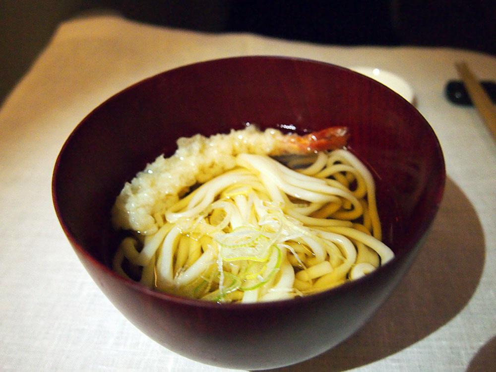ガルーダ・インドネシア航空 機内食 夜食の天ぷらうどん