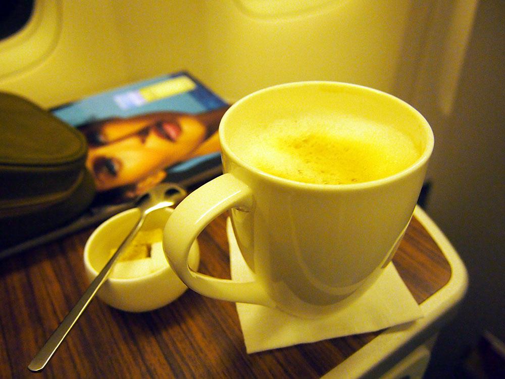 ガルーダ・インドネシア航空 機内食 カプチーノ