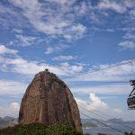 ブラジルでは、なんでもデビットカード払い。なのにタクシーは現金払い。