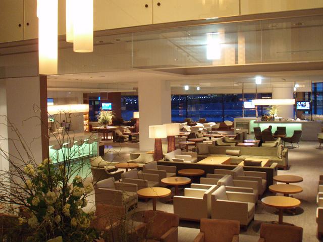 成田空港JAL国際線のサクララウンジは、すべてが特別なラウンジ