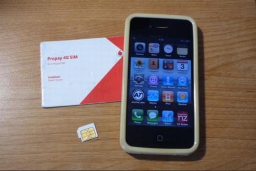 使用したiphone 4とvodafoneのSIMカード